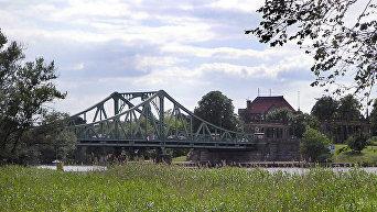 Глиникский мост, вид со стороны Берлина