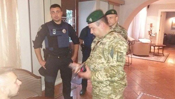 Полиция пришла к Саакашвили в гостиницу во Львове