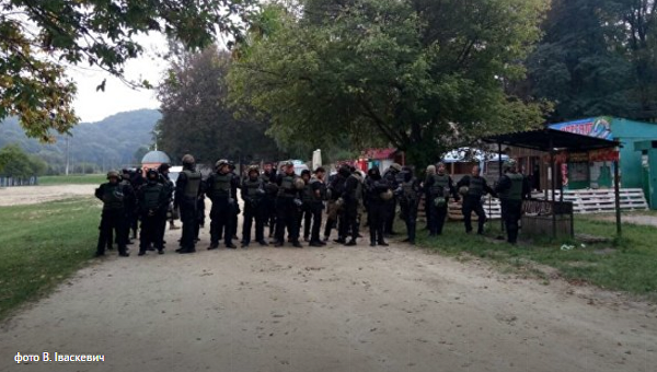 Бойцы батальона Донбасс в Винниках Львовской области, 12 сентября 2017