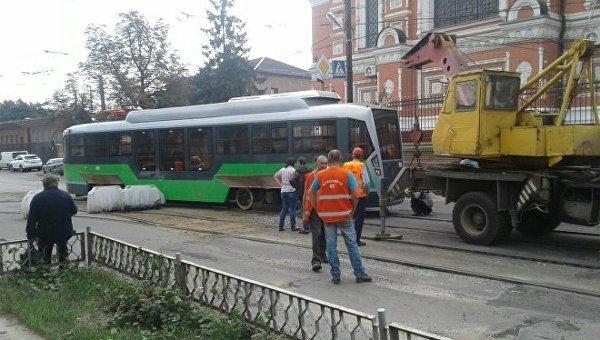 В Харькове сошел с рельсов новый современный трамвай