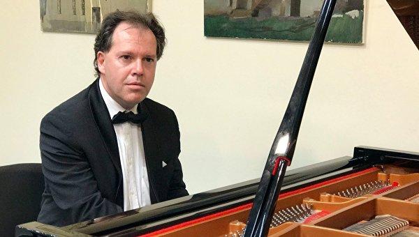 Концерт российского музыканта Юрия Богданова в РЦНК
