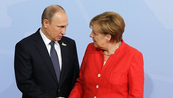 Президент РФ Владимир Путин и канцлер Германии Ангела Меркель