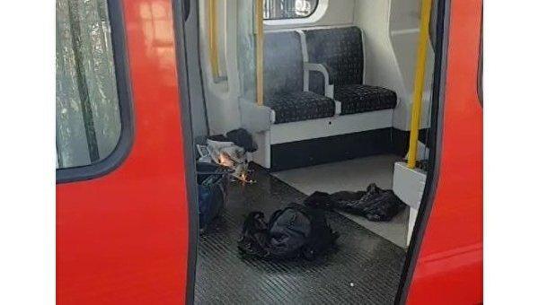 Горящий пакет в метро Лондона