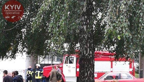 Эвакуация в одном из зданий НАУ в Киеве, 15 сентября 2017