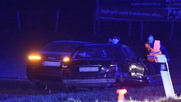 Глава МИД Чехии пострадал в результате ДТП с участием нескольких авто