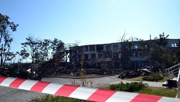 На месте пожара в детском лагере в Одессе