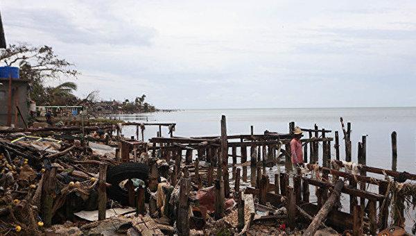 Ураган в Атлантике. Архивное фото