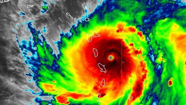 Ураган Мария в Атлантическом океане
