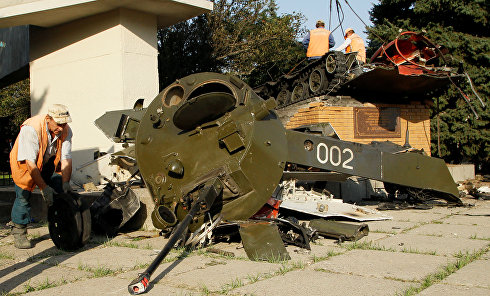 Подрыв памятника десантникам в Луганске