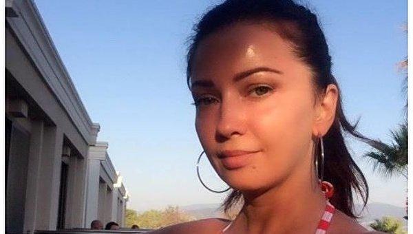 Украинскую эстрадную певицу задержали ваэропорту Турции