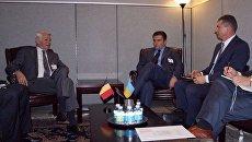 Главы МИД Украины и Румынии Павел Климкин (справа) и Теодор Мелешкану