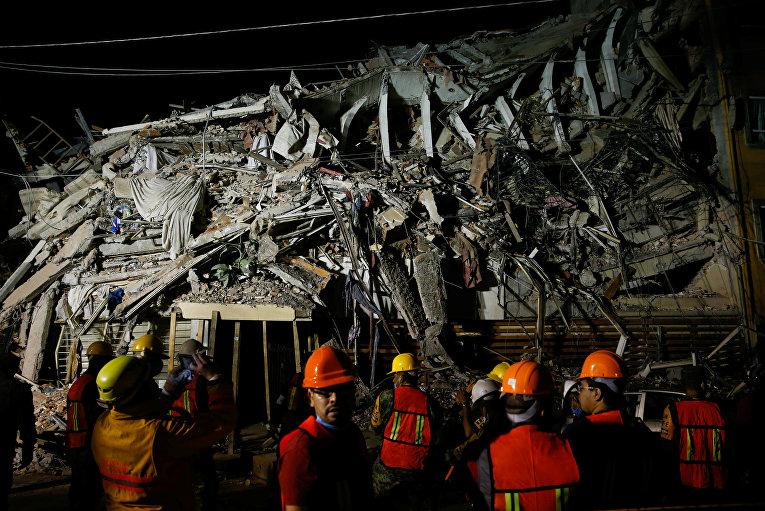 Число погибших в результате землетрясения в Мексике возросло до 226.