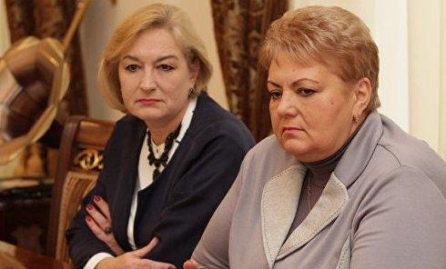 Зинаида Цвиринько (справа)
