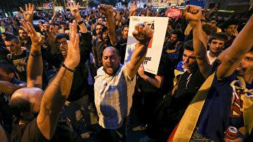 Генпрокуратура обвинила митингующих в Каталонии в призывах к мятежу