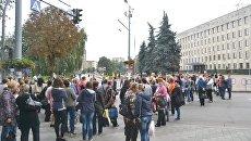 Медики пикетируют Житомирский горсовет