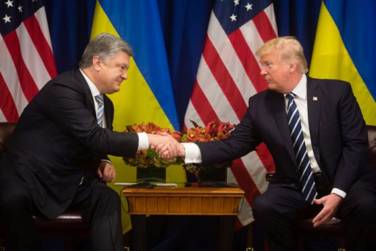 Порошенко: Трамп поддержал идею украинской столицы овводе миротворцев вДонбасс