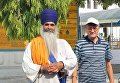 Посол Украины в Индии Игорь Полиха (справа)