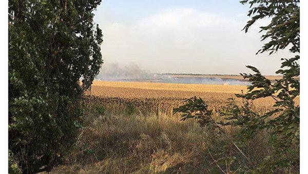 В Донецкой области горит военный склад