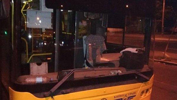 Ночью вКиеве расстреляли троллейбус