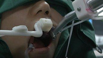 В Китае робот-стоматолог провел первую операцию без участия человека. Видео
