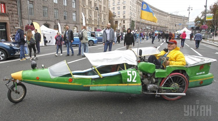 Шоу электрического транспорта #EcoDriveShow на Крещатике в Киеве