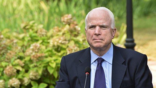 Маккейн поделился с корреспондентами прогнозами наисцеление отрака