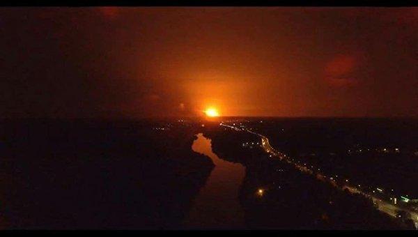 Генштаб: ВКалиновке полыхает 10% отплощади арсенала