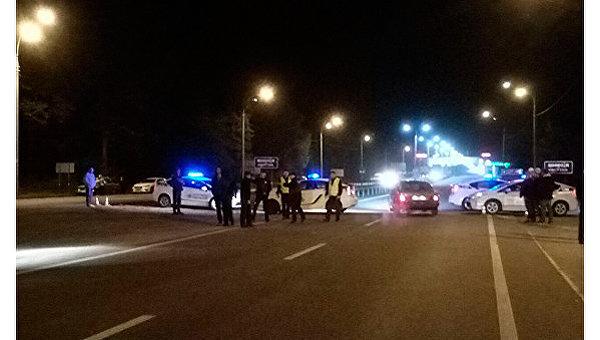Полиция перекрыла движение в связи с взрывами на складе под Винницей