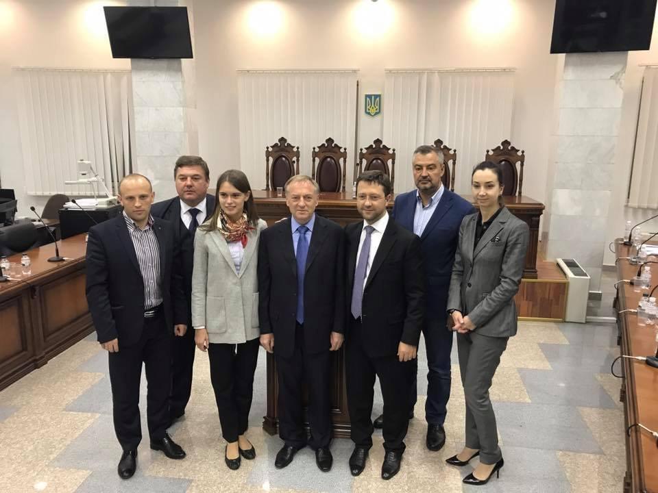 Лавринович: вгосударстве Украина есть судьи, которые имеют смелость стоять настороне закона