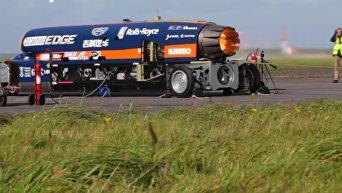 Испытание гоночного автомобиля с двигателем от истребителя. Видео