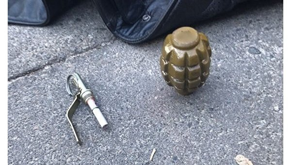 В Киеве задержали мужчину с гранатой, которую он привез из зоны АТО