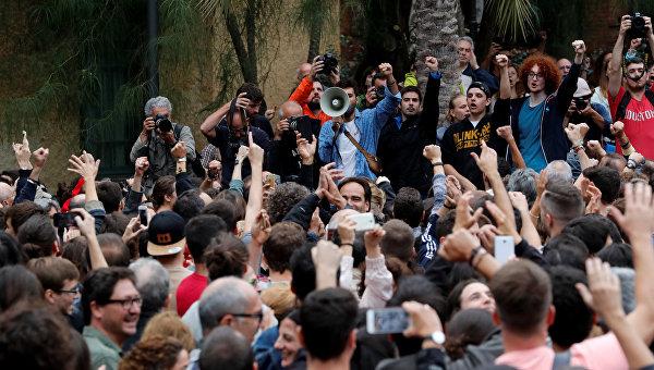 Еврокомиссия назвала незаконным референдум в Каталонии