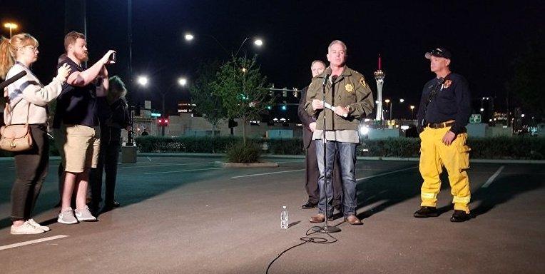 Шериф Лас-Вегаса на месте стрельбы