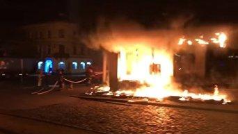 Пожар в отделении Сбербанка во Львове. Видео