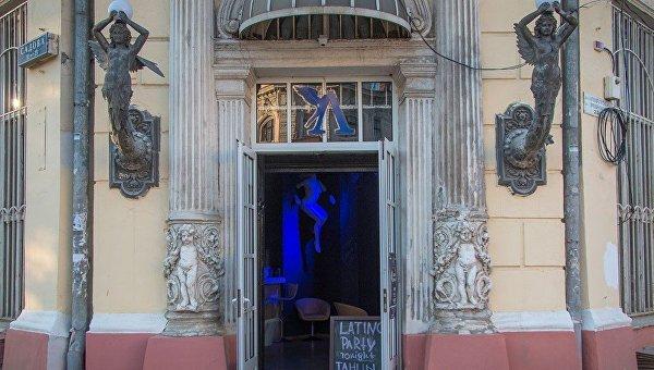 В одесском доме-памятнике архитектуры открыли стрип-клуб
