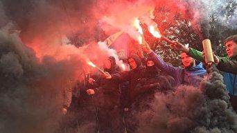 Азов и Правый сектор зажгли фаеры под Верховной Радой