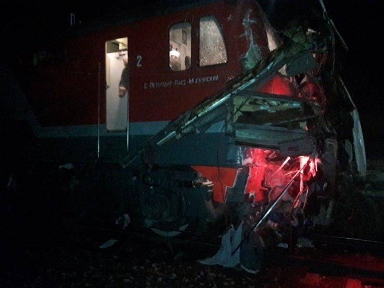 Столкновение автобуса с поездом в РФ