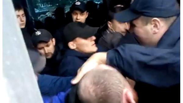 Блокирование концерта Бабкина во Львове. Появилось видео столкновений. Видео