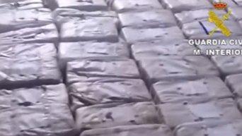 В Испании задержано судно с четырьмя тоннами кокаина. Видео