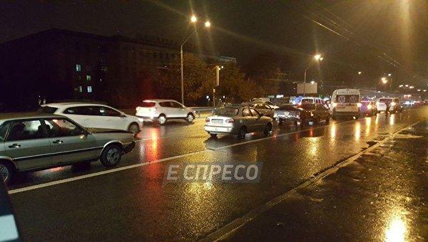 Крупная авария в Киеве: столкнулись пять автомобилей