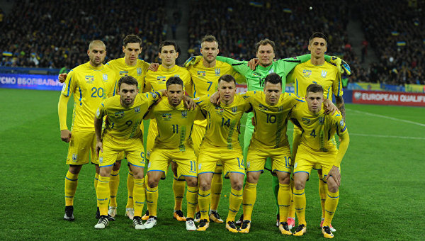 Игроки сборной Украины по футболу перед матче против сборной Хорватии