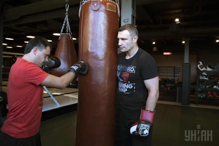 Виталий Кличко провел тренировку, которая была продана на аукционе ProZorro за 150 тысяч гривен