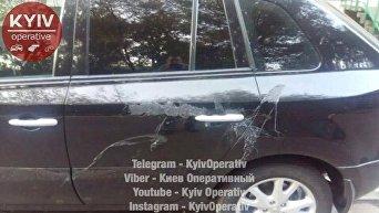 В Киеве 30 машин облили кислотой