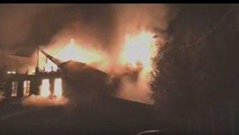 Масштабный пожар в ТЦ в подмосковном Чехове. Видео