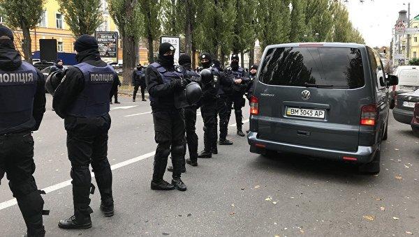 ВУкраинском государстве двое мужчин изнасиловали полицейского