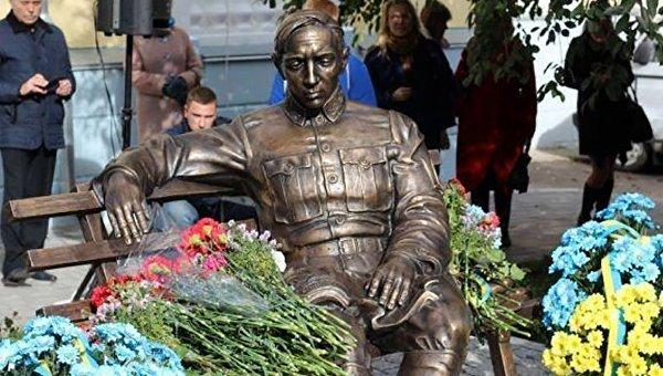 1-ый вУкраинском государстве монумент Симону Петлюре сегодня открыли вВиннице