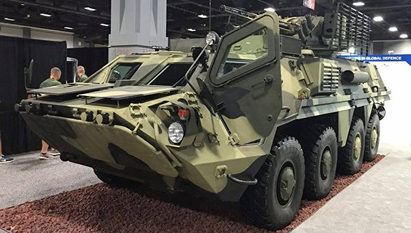 Модернизированный БТР-4 на выставке Укроборонпрома