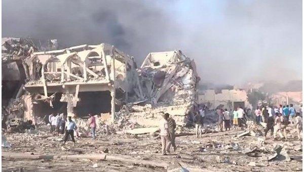Взрыв в столице Сомали. Скриншот видео