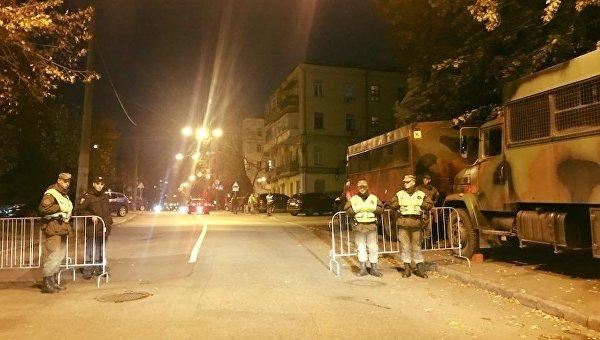 Вокруг Администрации президента накануне митинга 17 октября ставят заслоны  Нацгвардии