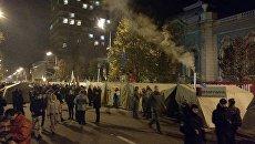 Палаточный город и баррикада под Верховной Радой в Киеве